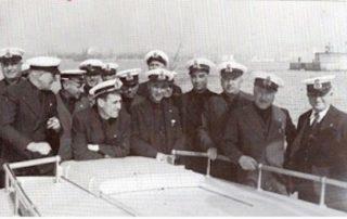1938, una squadra di piloti esce incontro alle navi in arrivo a Genova